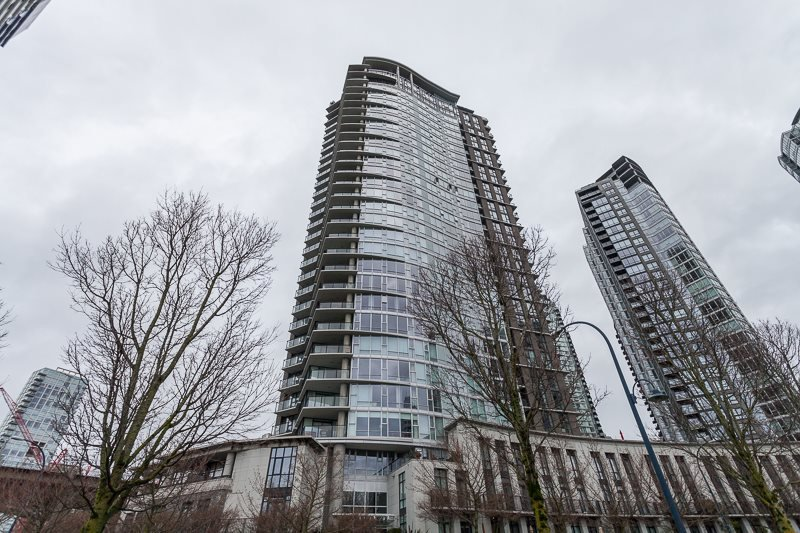 Main Photo: 1007 583 BEACH CRESCENT in : Yaletown Condo for sale : MLS®# R2041661