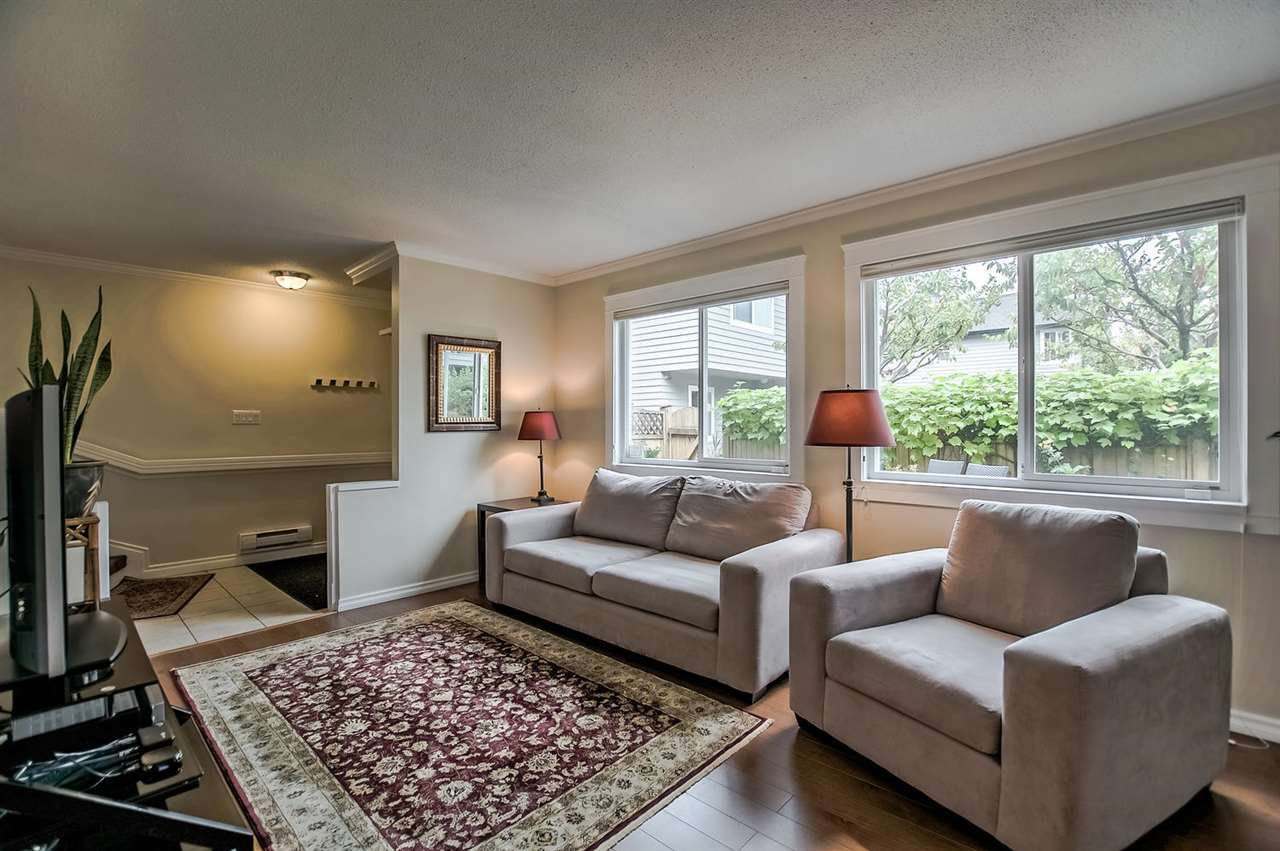 Main Photo: 3 1255 E 15TH Avenue in Vancouver: Mount Pleasant VE Townhouse for sale (Vancouver East)  : MLS®# R2204226