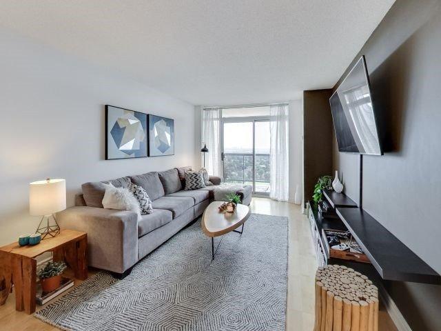 Main Photo: 1504 8 Mondeo Drive in Toronto: Dorset Park Condo for sale (Toronto E04)  : MLS®# E3933256