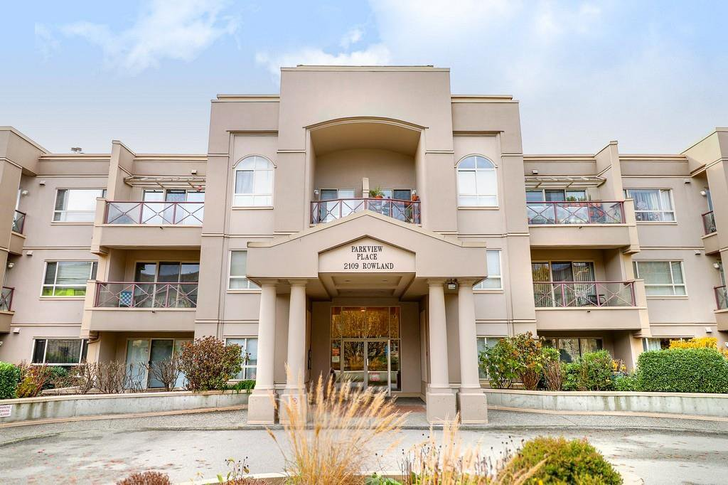 "Main Photo: 221 2109 ROWLAND Street in Port Coquitlam: Central Pt Coquitlam Condo for sale in ""PARKVIEW PL"" : MLS®# R2222216"