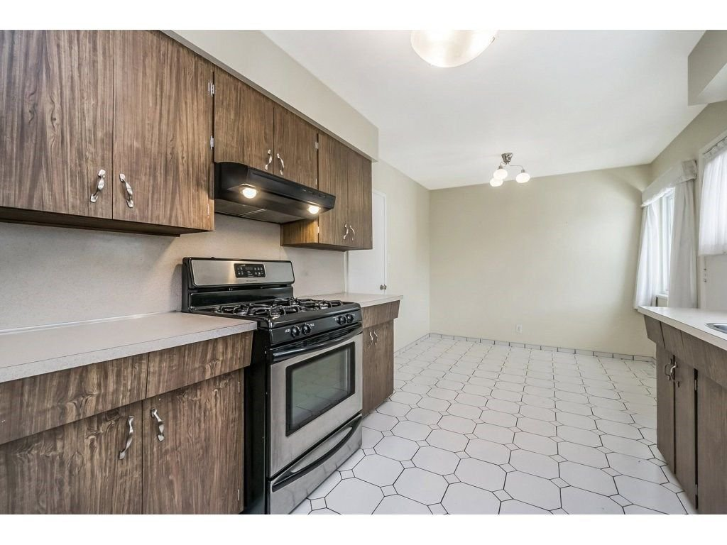 Photo 8: Photos: 343 RICHARD Street in Coquitlam: Coquitlam West House for sale : MLS®# R2247858