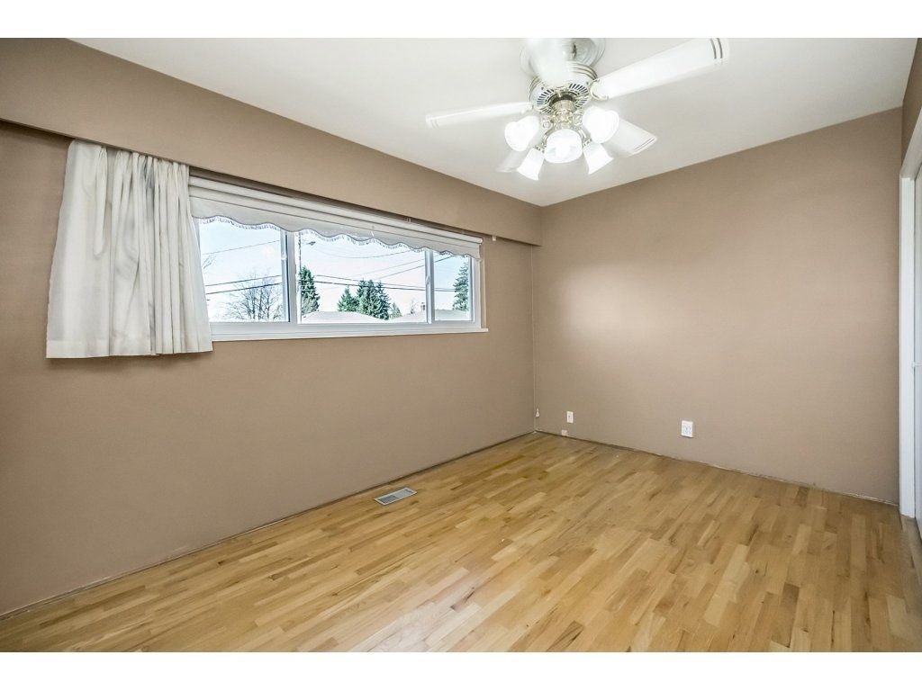 Photo 9: Photos: 343 RICHARD Street in Coquitlam: Coquitlam West House for sale : MLS®# R2247858