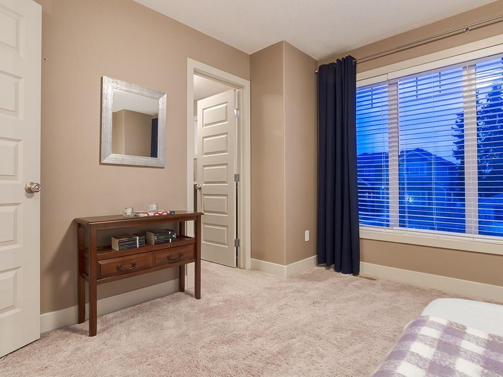 Photo 30: Photos: 207 25 Avenue NW in Calgary: Tuxedo Park House for sale : MLS®# C4185003