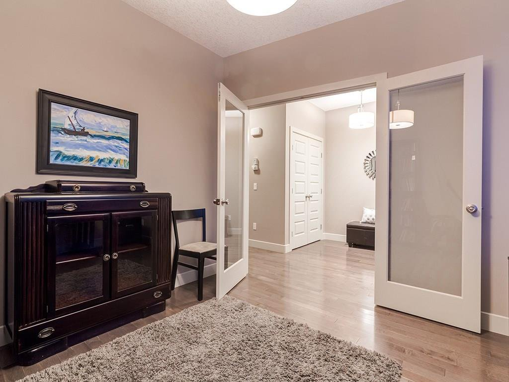 Photo 19: Photos: 207 25 Avenue NW in Calgary: Tuxedo Park House for sale : MLS®# C4185003