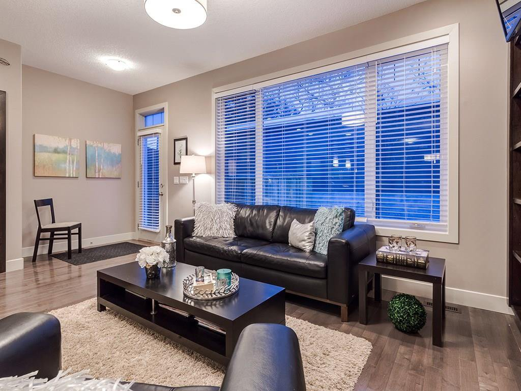 Photo 15: Photos: 207 25 Avenue NW in Calgary: Tuxedo Park House for sale : MLS®# C4185003