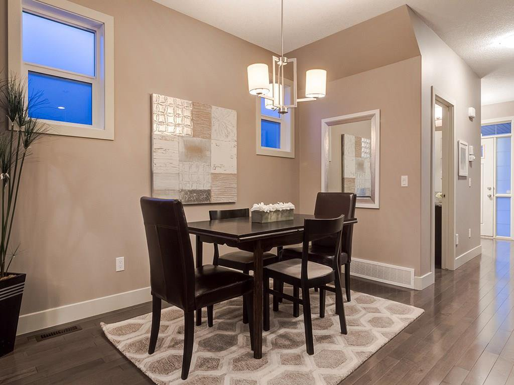 Photo 12: Photos: 207 25 Avenue NW in Calgary: Tuxedo Park House for sale : MLS®# C4185003