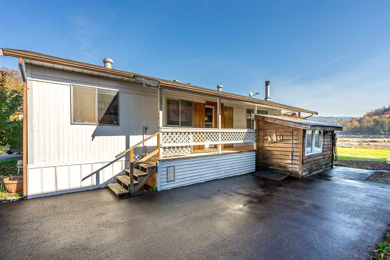 "Main Photo: 46 9960 WILSON Street in Mission: Stave Falls Manufactured Home for sale in ""RUSKIN PLACE"" : MLS®# R2333890"