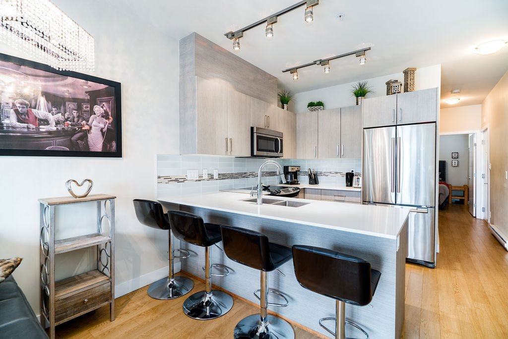 """Main Photo: PH11 388 KOOTENAY Street in Vancouver: Hastings Sunrise Condo for sale in """"VIEW 388"""" (Vancouver East)  : MLS®# R2379442"""