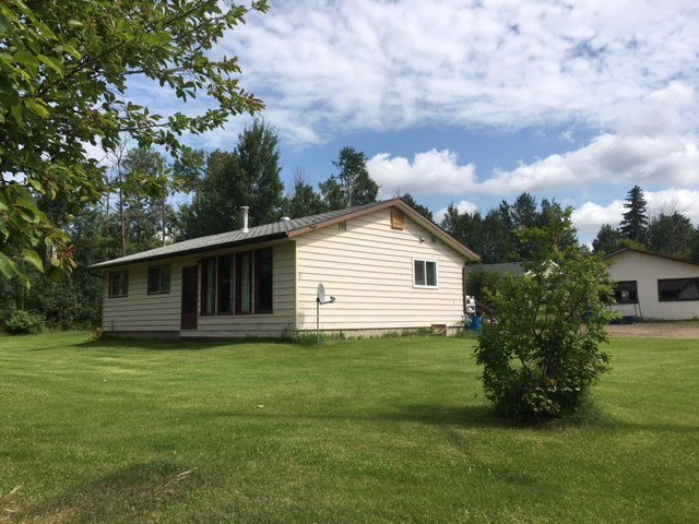 Main Photo: 1 Power Drive: Rural Lac Ste. Anne County House for sale : MLS®# E4168911