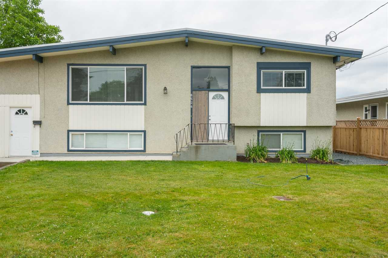 Main Photo: 8524 HOWARD Crescent in Chilliwack: Chilliwack E Young-Yale House for sale : MLS®# R2422479