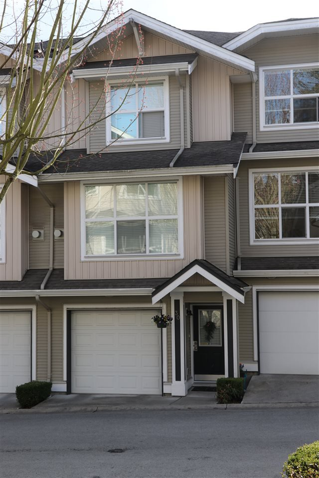 """Main Photo: 30 20460 66 Avenue in Langley: Willoughby Heights Townhouse for sale in """"WILLOW EDGE"""" : MLS®# R2434092"""