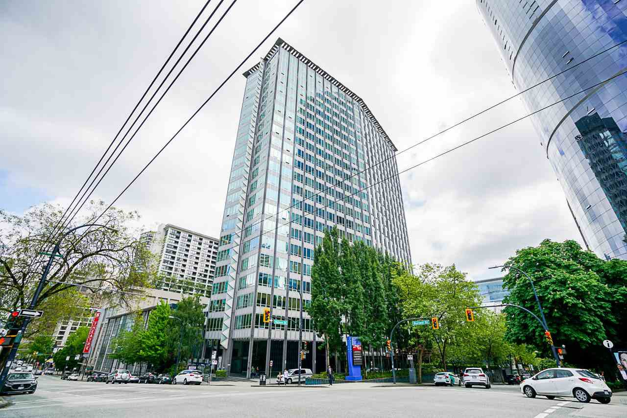 "Main Photo: 913 989 NELSON Street in Vancouver: Downtown VW Condo for sale in ""THE ELECTRA"" (Vancouver West)  : MLS®# R2457107"