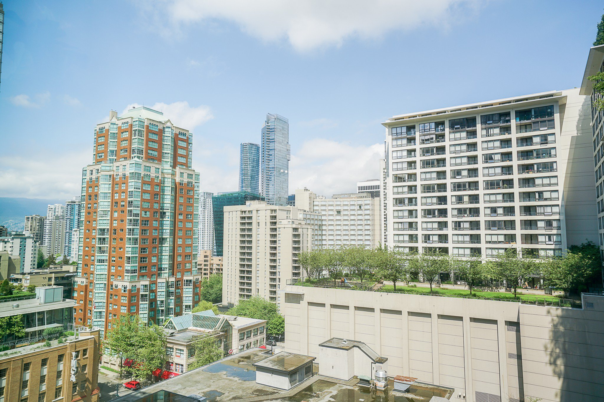 """Main Photo: 913 989 NELSON Street in Vancouver: Downtown VW Condo for sale in """"THE ELECTRA"""" (Vancouver West)  : MLS®# R2457107"""