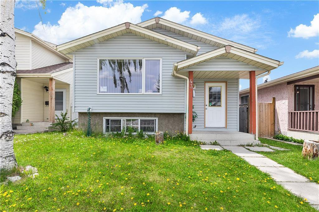 Main Photo: 43 ABERDARE Road NE in Calgary: Abbeydale Detached for sale : MLS®# C4301204
