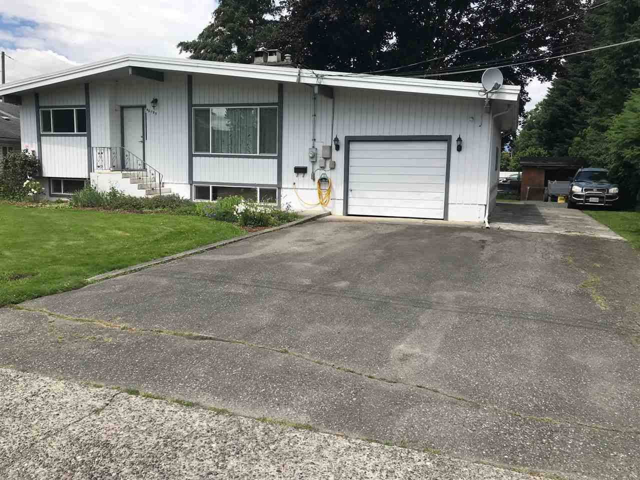 Main Photo: 46795 FIRST Avenue in Chilliwack: Chilliwack E Young-Yale House for sale : MLS®# R2470391