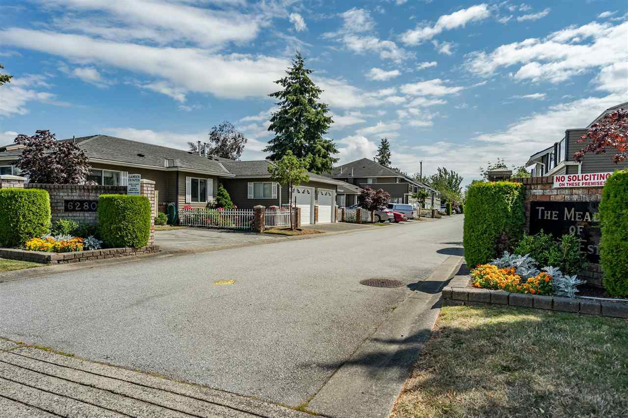 "Main Photo: 3 6280 48A Avenue in Delta: Holly Townhouse for sale in ""GARDEN ESTATES"" (Ladner)  : MLS®# R2478484"