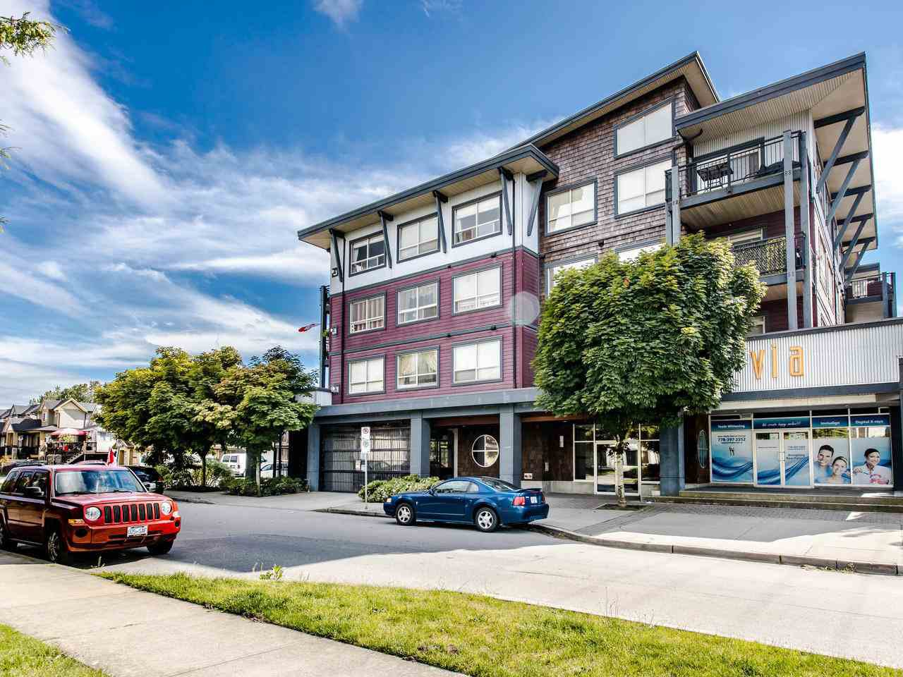 Main Photo: 409 288 HAMPTON Street in New Westminster: Queensborough Condo for sale : MLS®# R2478799