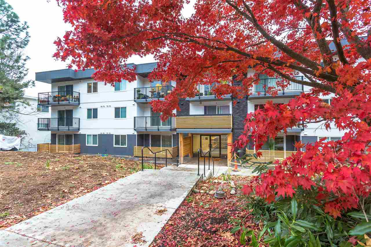 "Main Photo: 309 357 E 2ND Street in North Vancouver: Lower Lonsdale Condo for sale in ""The Hendricks"" : MLS®# R2516596"