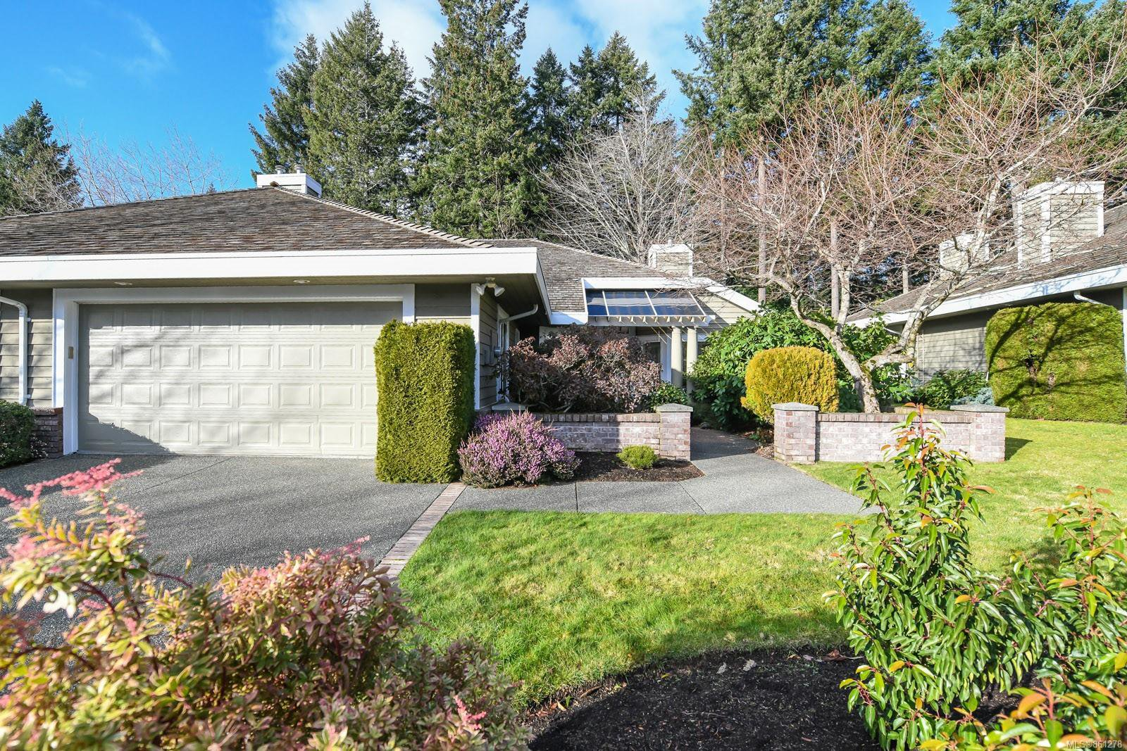 Main Photo: 6 500 Crown Isle Dr in : CV Crown Isle Row/Townhouse for sale (Comox Valley)  : MLS®# 861278
