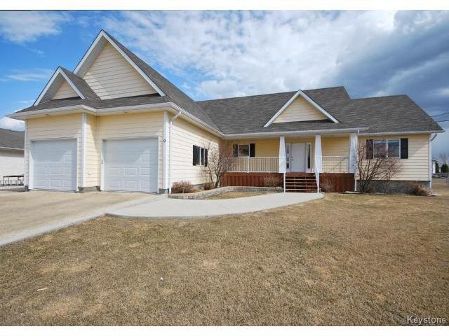 Main Photo: 9 Rosa Street in LORETTE: Dufresne / Landmark / Lorette / Ste. Genevieve Residential for sale (Winnipeg area)  : MLS®# 1502830