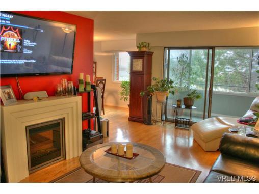 Main Photo: 304 853 Selkirk Avenue in VICTORIA: Es Kinsmen Park Condo Apartment for sale (Esquimalt)  : MLS®# 358147
