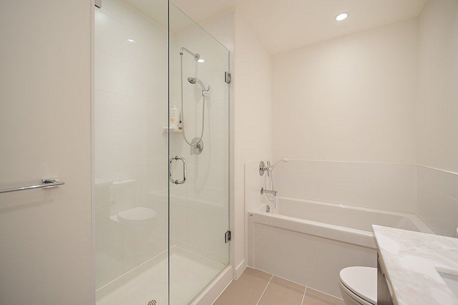 """Photo 8: Photos: 211 3138 RIVERWALK Avenue in Vancouver: Champlain Heights Condo for sale in """"SHORELINE"""" (Vancouver East)  : MLS®# R2078586"""