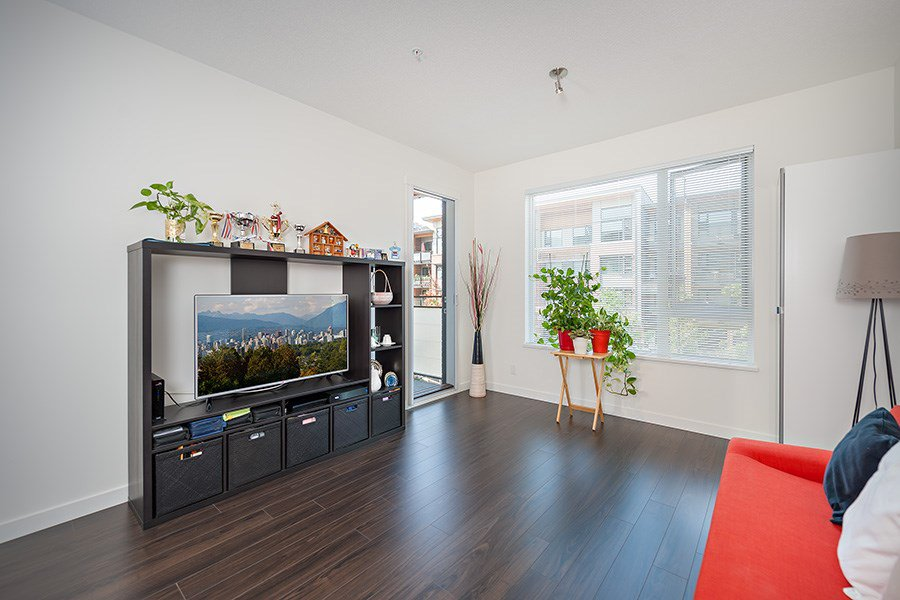 """Photo 5: Photos: 211 3138 RIVERWALK Avenue in Vancouver: Champlain Heights Condo for sale in """"SHORELINE"""" (Vancouver East)  : MLS®# R2078586"""