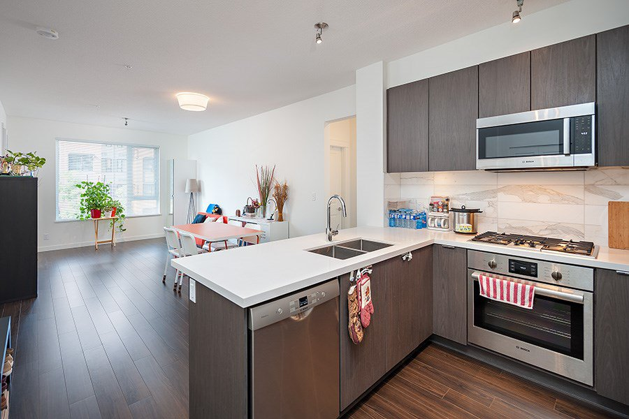 """Photo 2: Photos: 211 3138 RIVERWALK Avenue in Vancouver: Champlain Heights Condo for sale in """"SHORELINE"""" (Vancouver East)  : MLS®# R2078586"""