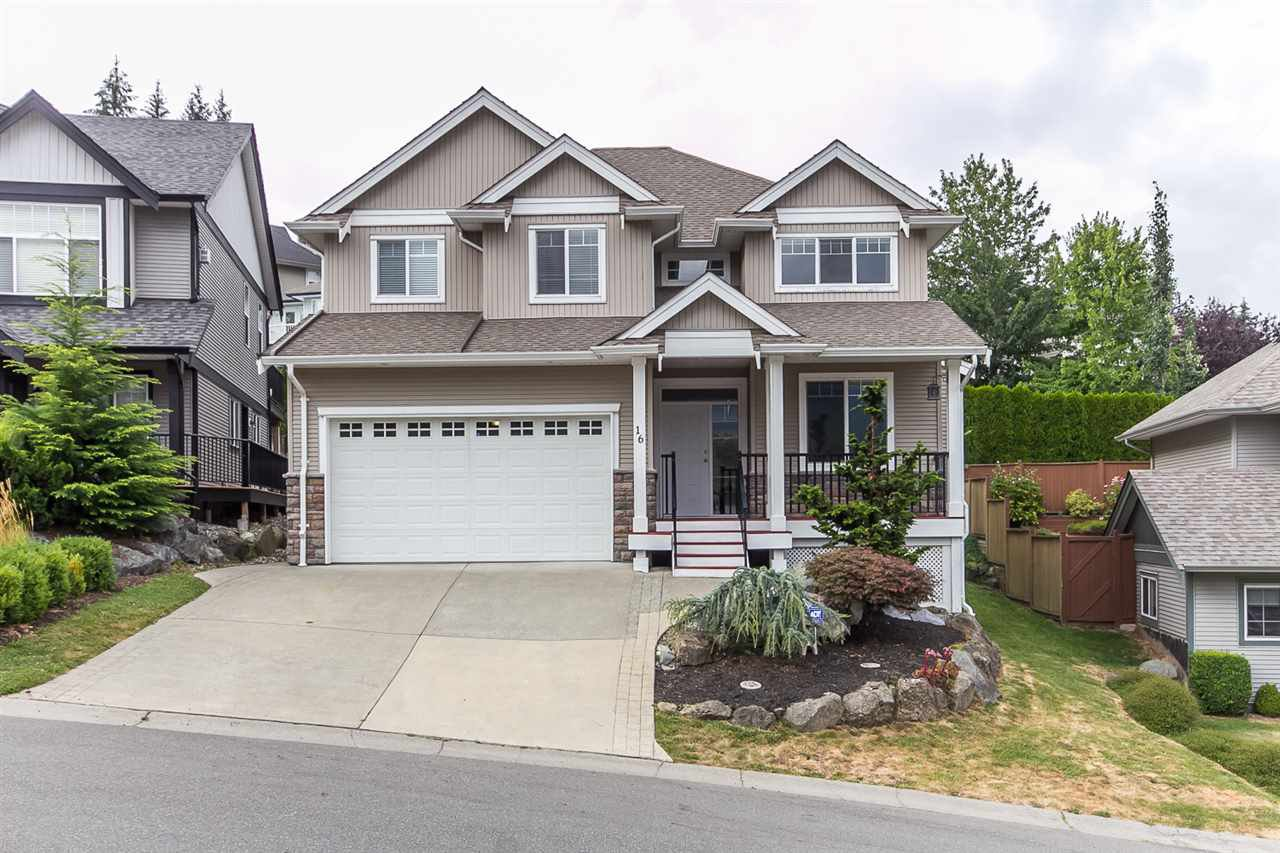 """Main Photo: 16 45957 SHERWOOD Drive in Sardis: Promontory House for sale in """"SHERWOOD PARK ESTATES"""" : MLS®# R2099540"""