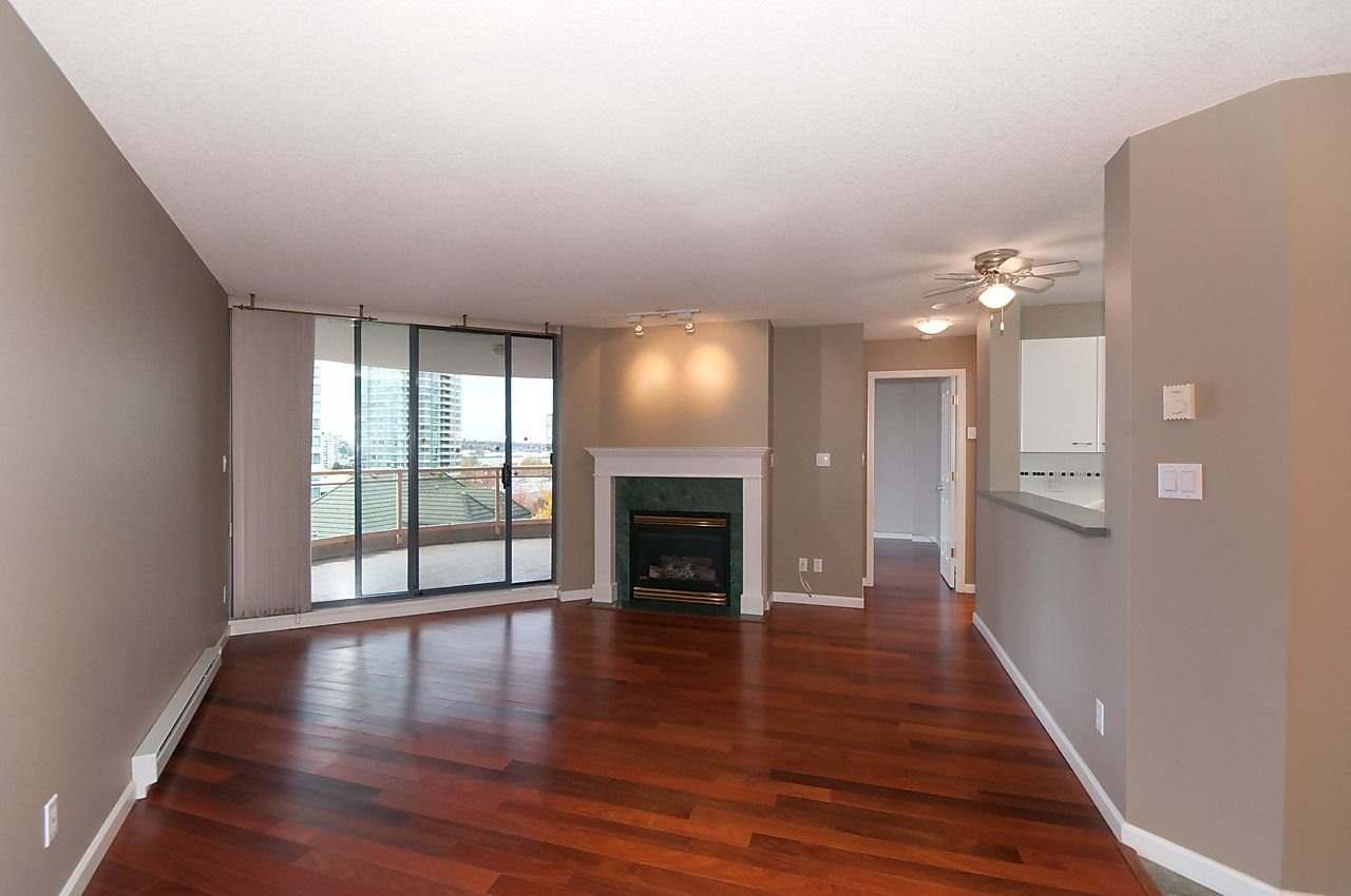 "Main Photo: 405 4425 HALIFAX Street in Burnaby: Brentwood Park Condo for sale in ""POLARIS"" (Burnaby North)  : MLS®# R2120218"