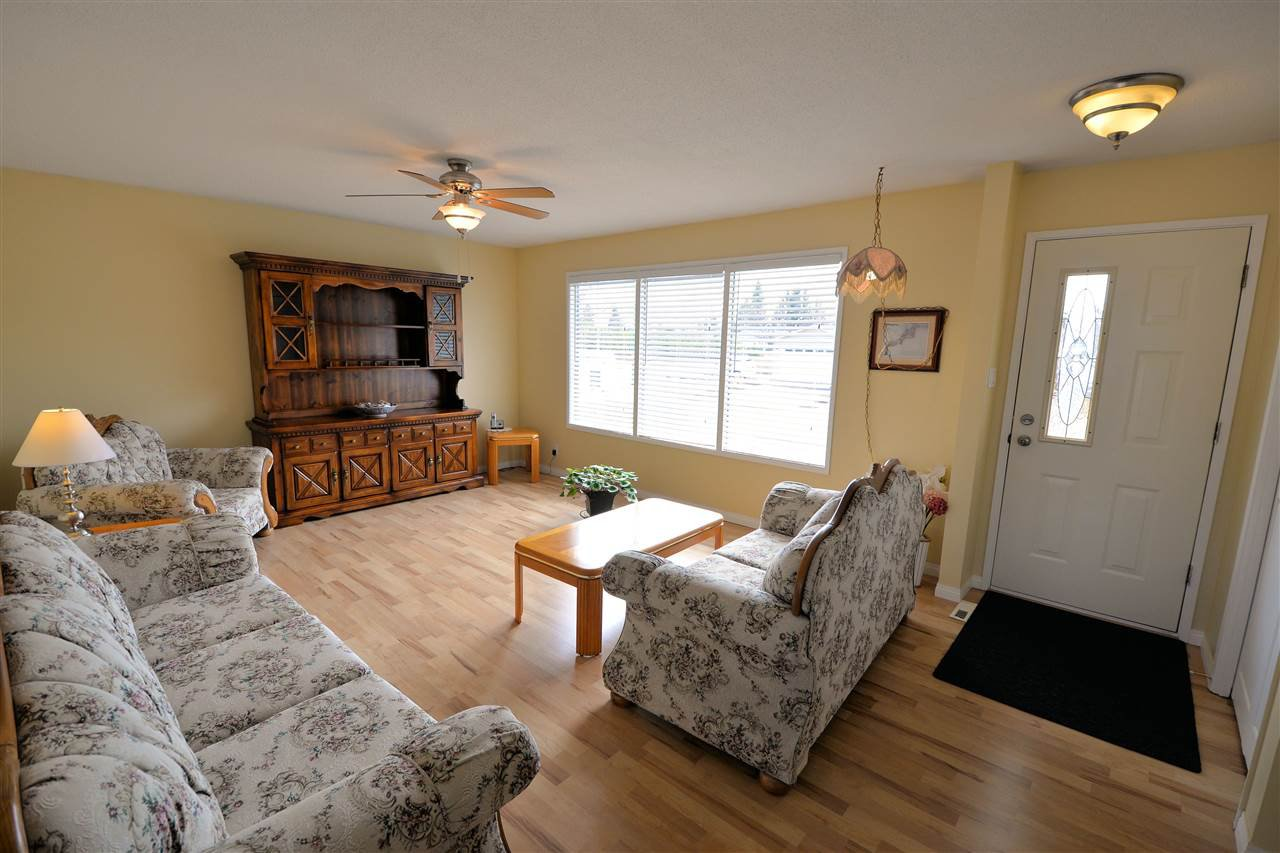 """Photo 7: Photos: 974 INEZ Crescent in Prince George: Lakewood House for sale in """"LAKEWOOD"""" (PG City West (Zone 71))  : MLS®# R2154434"""