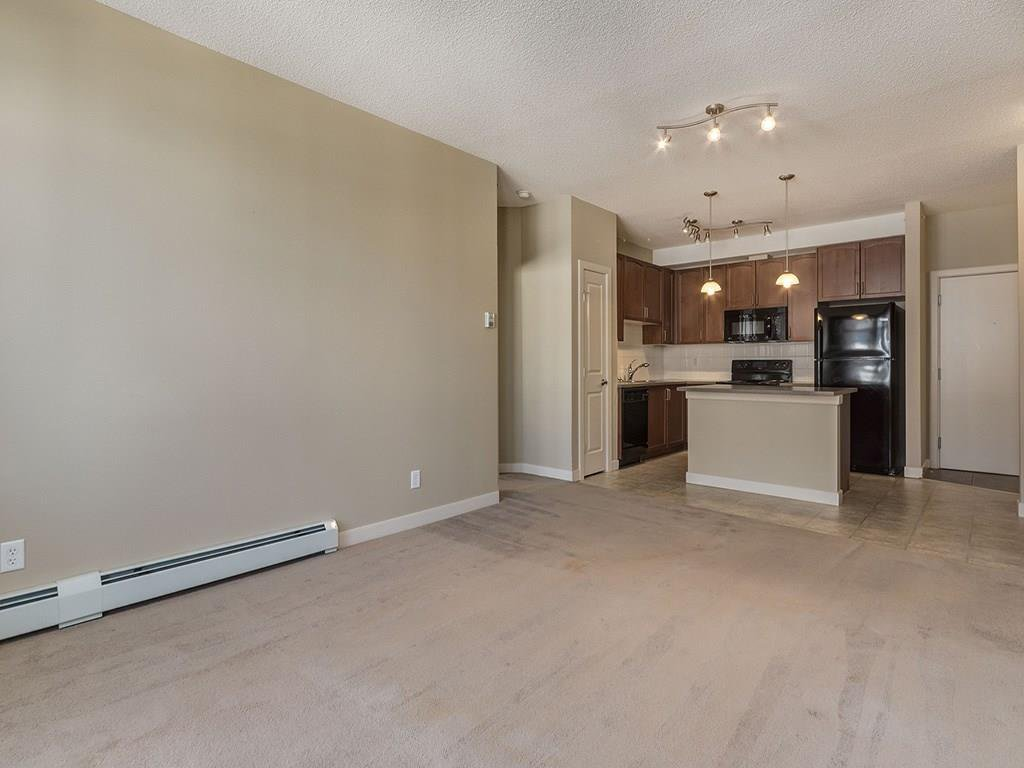 Photo 8: Photos: 403 156 COUNTRY VILLAGE Circle NE in Calgary: Country Hills Village Condo for sale : MLS®# C4120632
