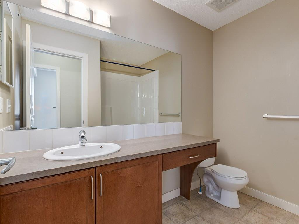 Photo 18: Photos: 403 156 COUNTRY VILLAGE Circle NE in Calgary: Country Hills Village Condo for sale : MLS®# C4120632
