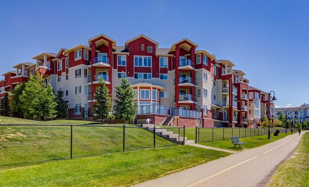 Photo 26: Photos: 403 156 COUNTRY VILLAGE Circle NE in Calgary: Country Hills Village Condo for sale : MLS®# C4120632