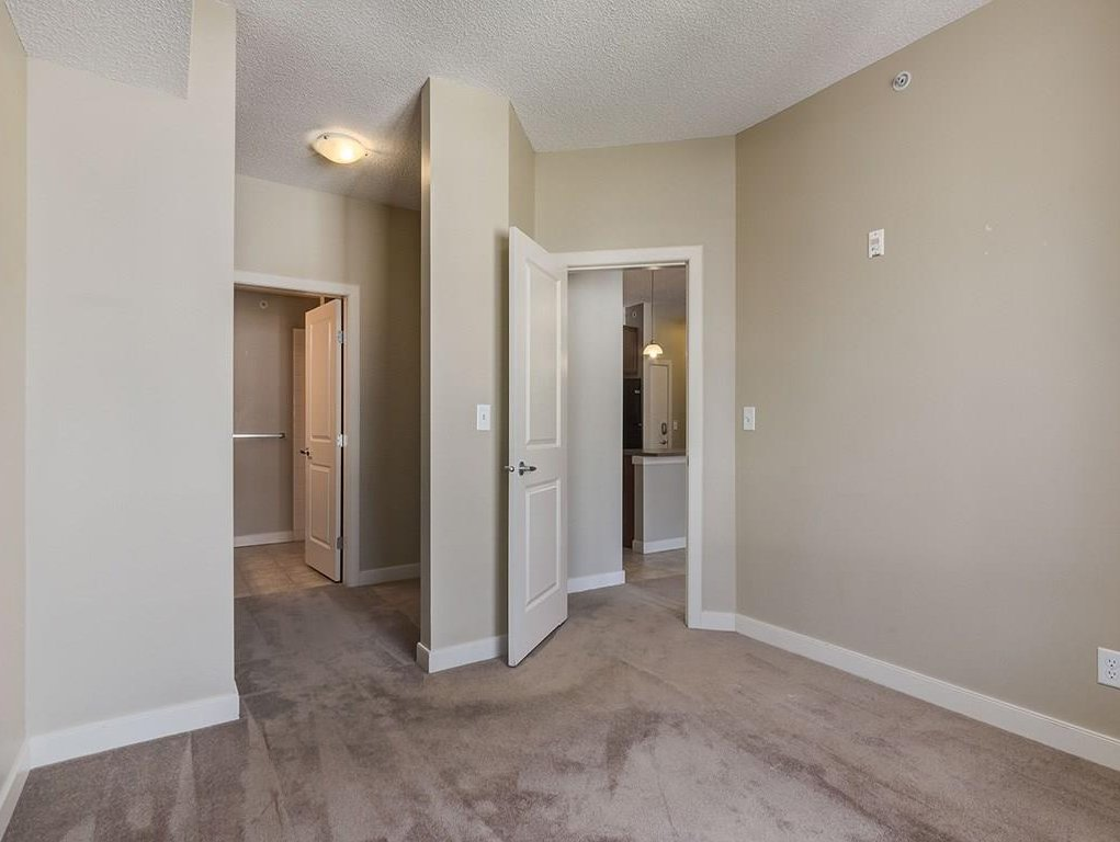 Photo 13: Photos: 403 156 COUNTRY VILLAGE Circle NE in Calgary: Country Hills Village Condo for sale : MLS®# C4120632