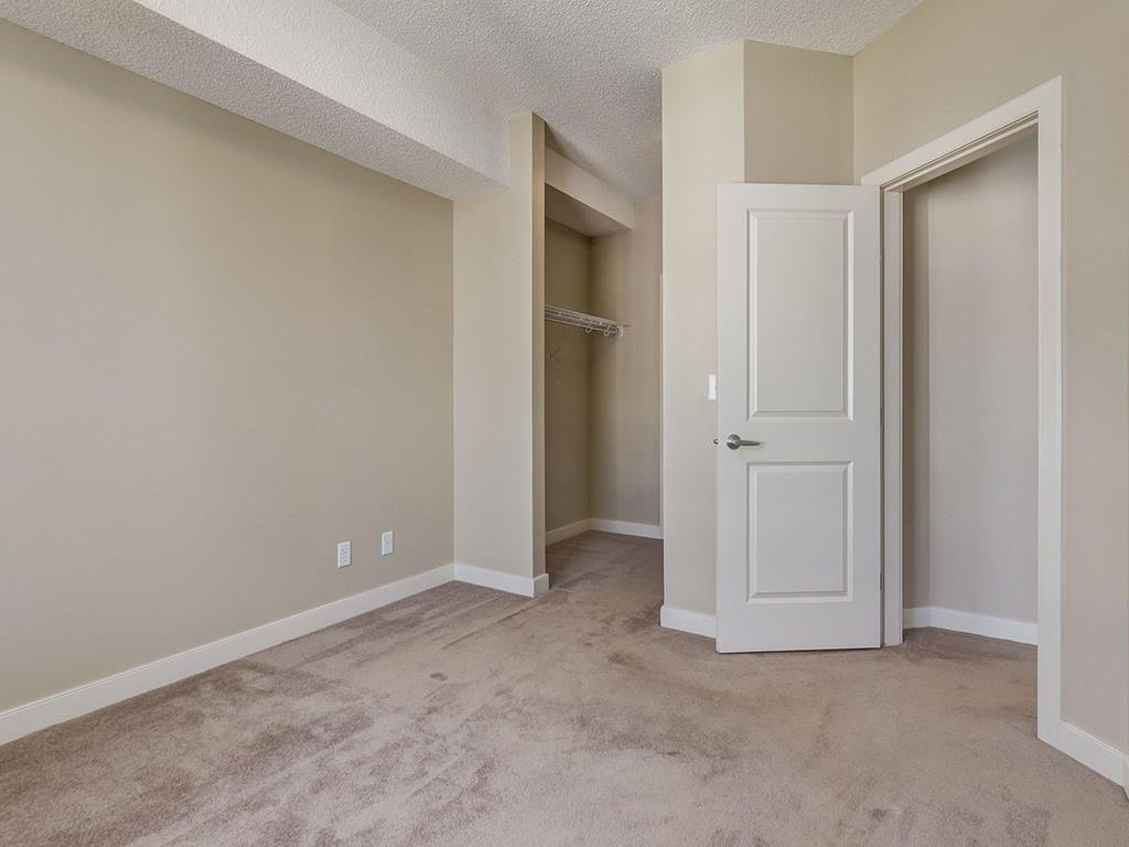 Photo 12: Photos: 403 156 COUNTRY VILLAGE Circle NE in Calgary: Country Hills Village Condo for sale : MLS®# C4120632