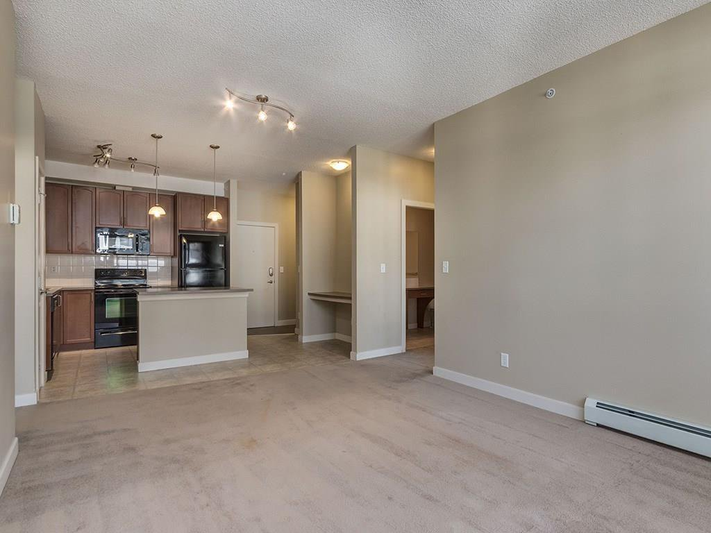 Photo 9: Photos: 403 156 COUNTRY VILLAGE Circle NE in Calgary: Country Hills Village Condo for sale : MLS®# C4120632