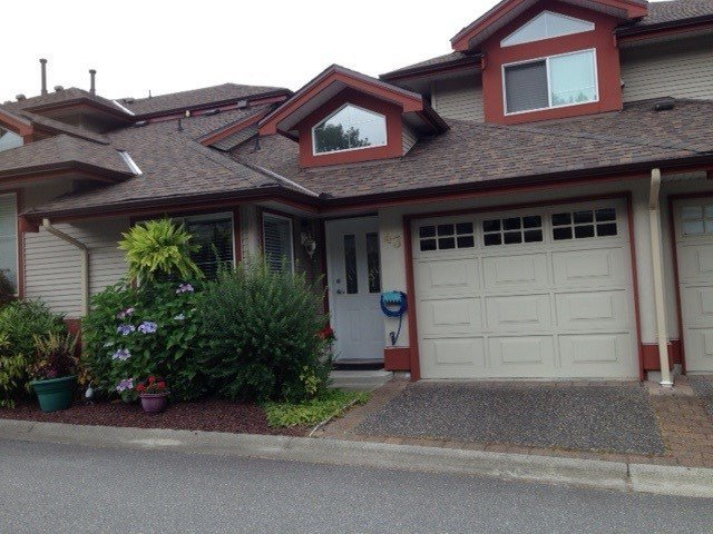 "Main Photo: 43 22740 116 Avenue in Maple Ridge: East Central Townhouse for sale in ""FRASER GLEN"" : MLS®# R2198399"