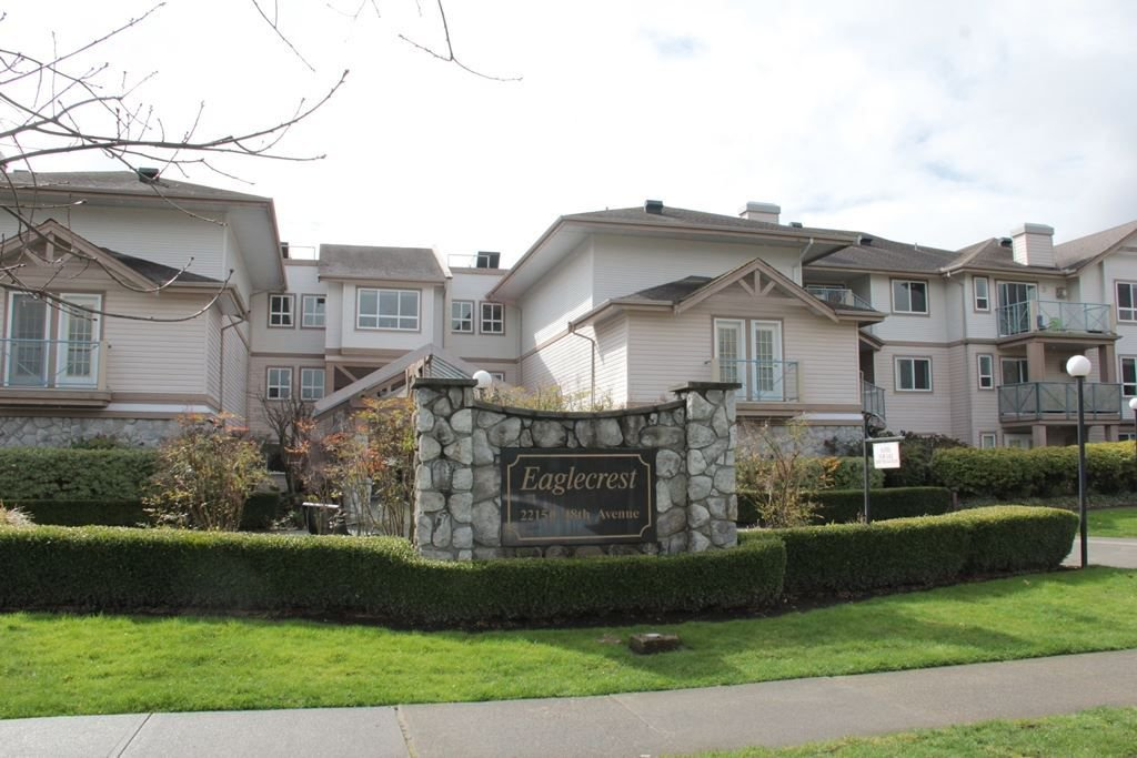 "Main Photo: 203 22150 48 Avenue in Langley: Murrayville Condo for sale in ""Eaglecrest"" : MLS®# R2238984"