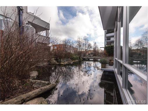 Main Photo: G4 395 Tyee Road in VICTORIA: VW Victoria West Residential for sale (Victoria West)  : MLS®# 373625
