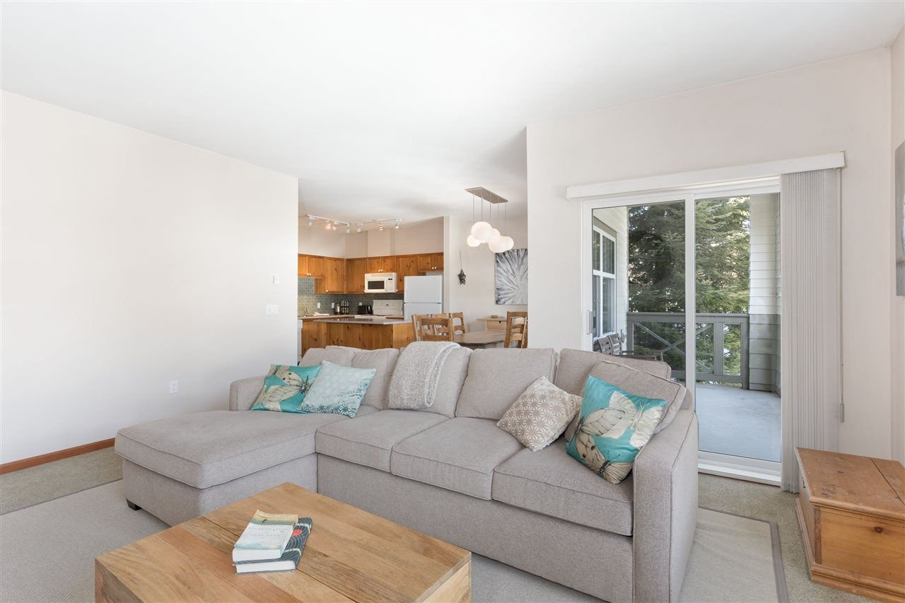 Photo 3: Photos: 304 3300 PTARMIGAN PLACE in Whistler: Blueberry Hill Townhouse for sale : MLS®# R2248654