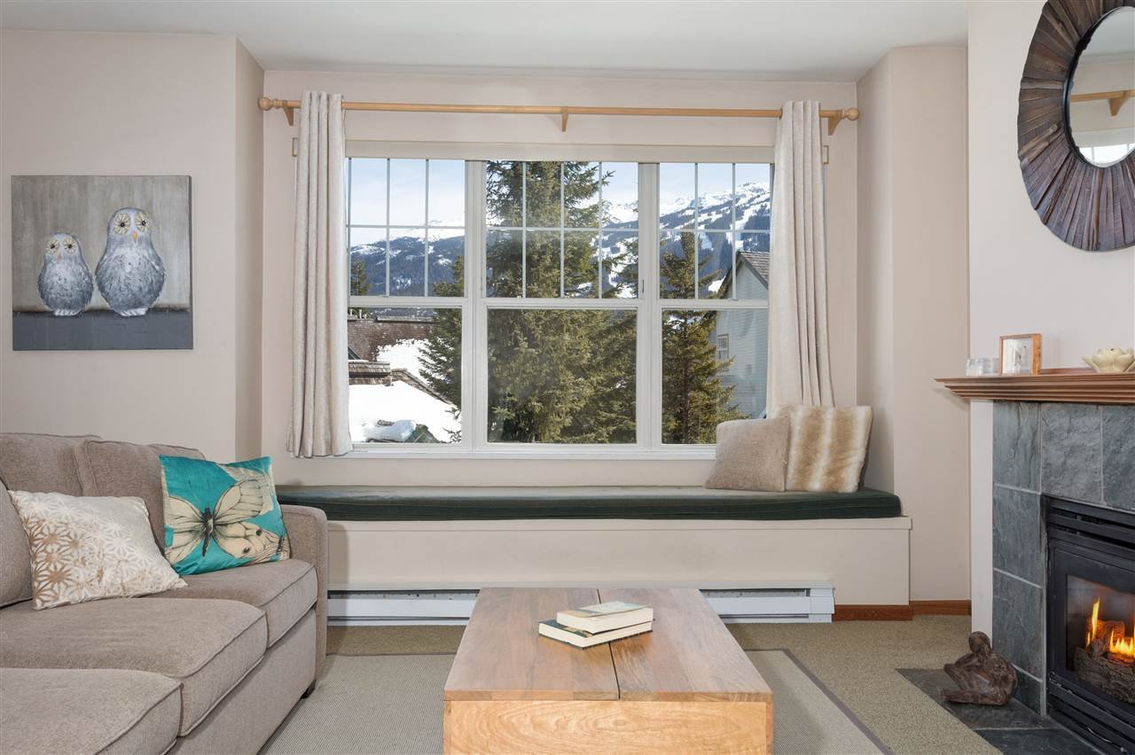 Photo 4: Photos: 304 3300 PTARMIGAN PLACE in Whistler: Blueberry Hill Townhouse for sale : MLS®# R2248654