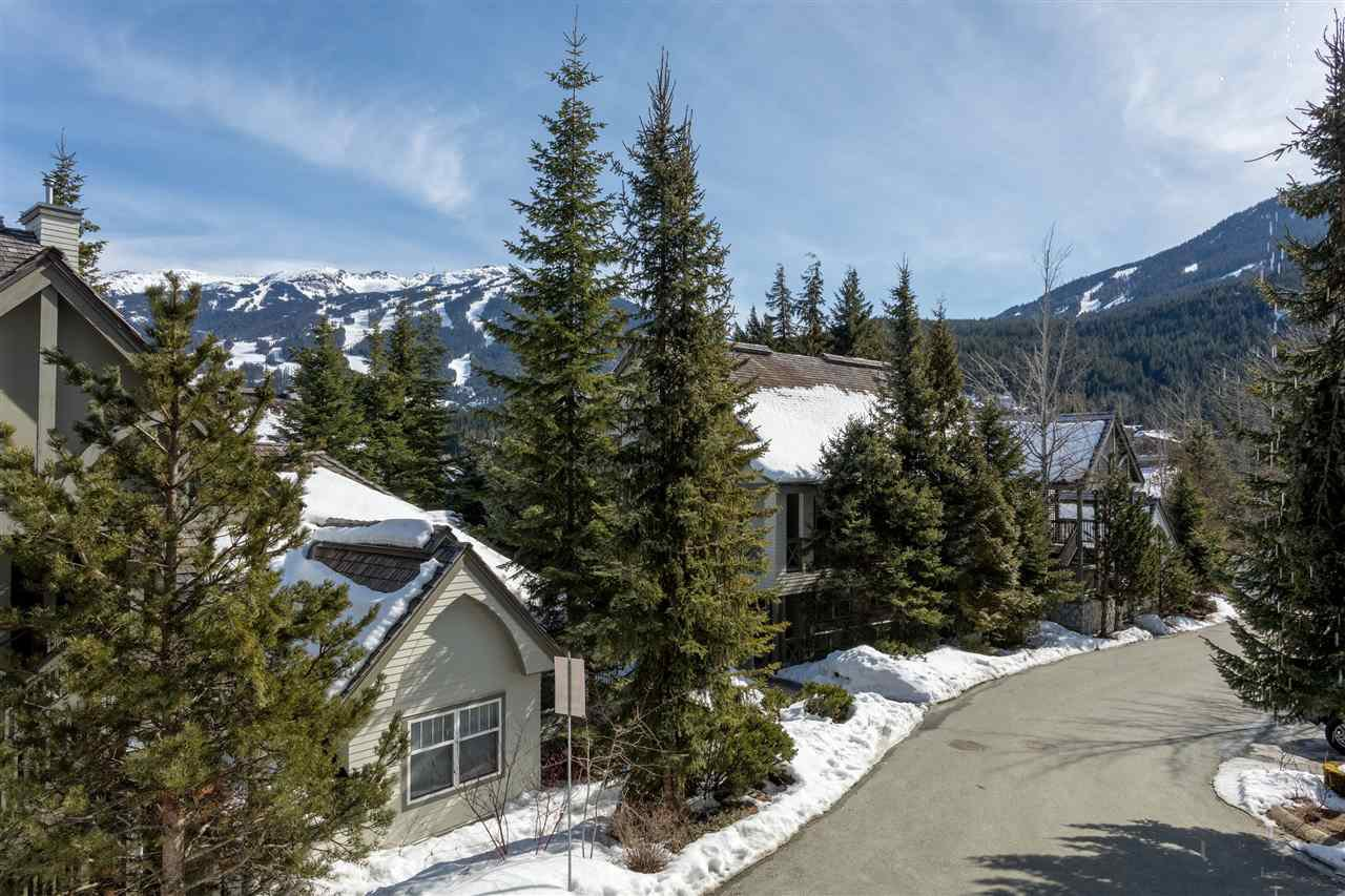 Photo 15: Photos: 304 3300 PTARMIGAN PLACE in Whistler: Blueberry Hill Townhouse for sale : MLS®# R2248654