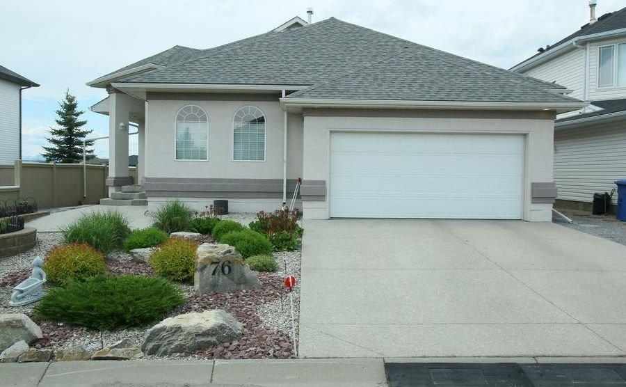 Main Photo: 76 Sandstone Ridge Crescent: Okotoks House for sale : MLS®# C4189236