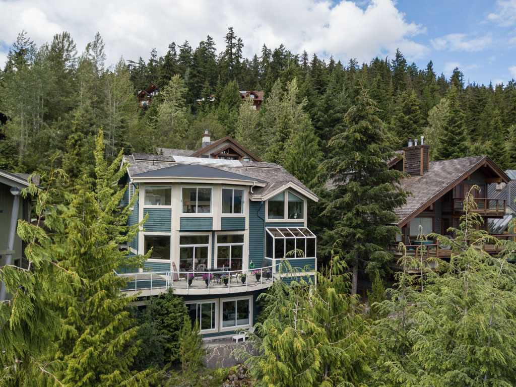 "Main Photo: 3363 OSPREY Place in Whistler: Blueberry Hill House for sale in ""BLUEBERRY HILL"" : MLS®# R2286438"