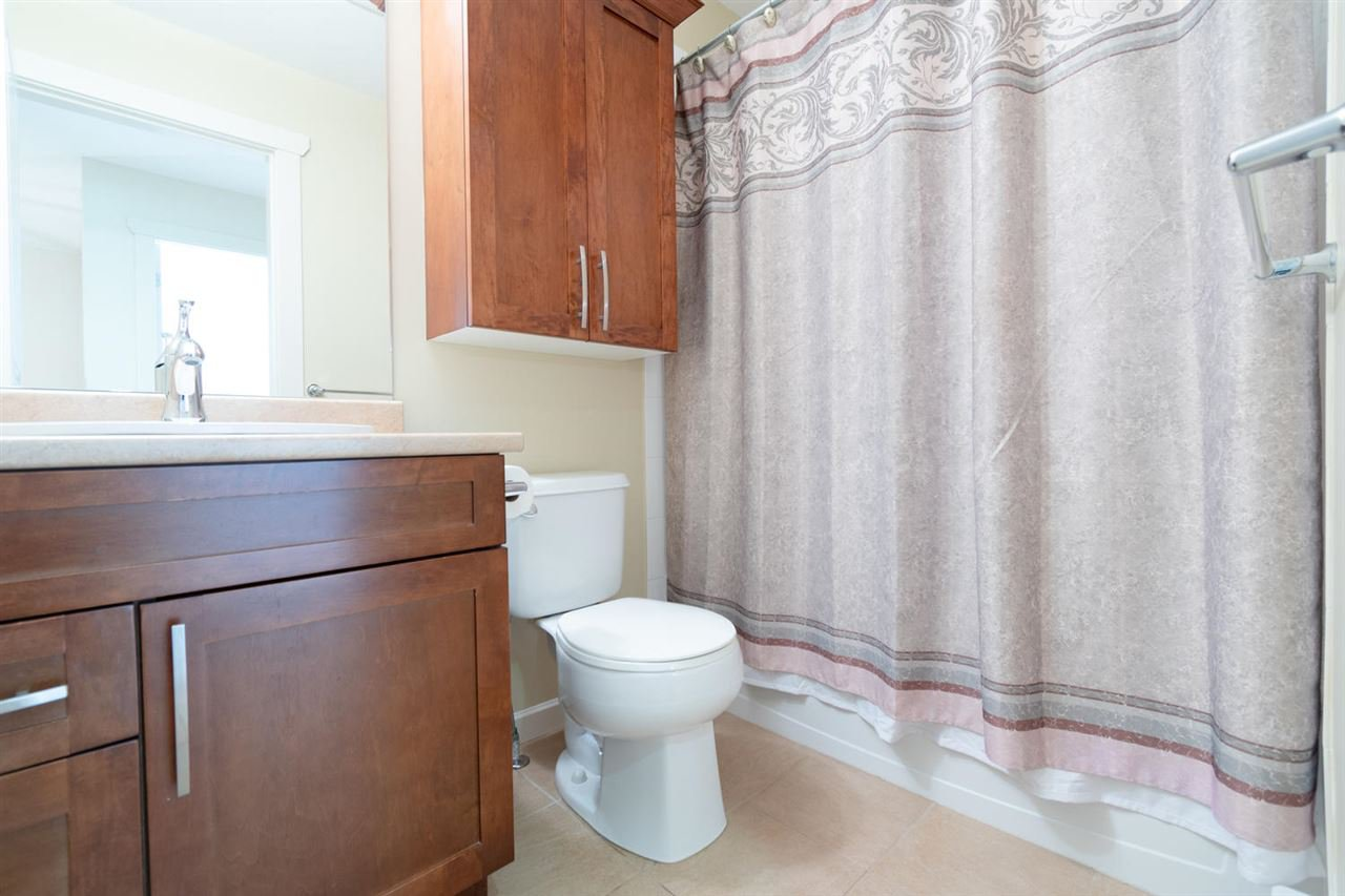 """Photo 16: Photos: 1 4887 CENTRAL Avenue in Delta: Hawthorne Townhouse for sale in """"CENTRAL PARK WEST"""" (Ladner)  : MLS®# R2320085"""