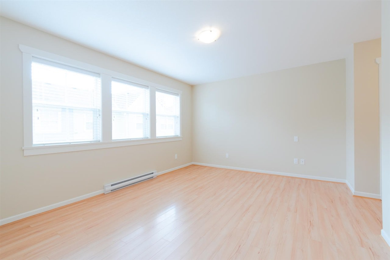 """Photo 10: Photos: 1 4887 CENTRAL Avenue in Delta: Hawthorne Townhouse for sale in """"CENTRAL PARK WEST"""" (Ladner)  : MLS®# R2320085"""