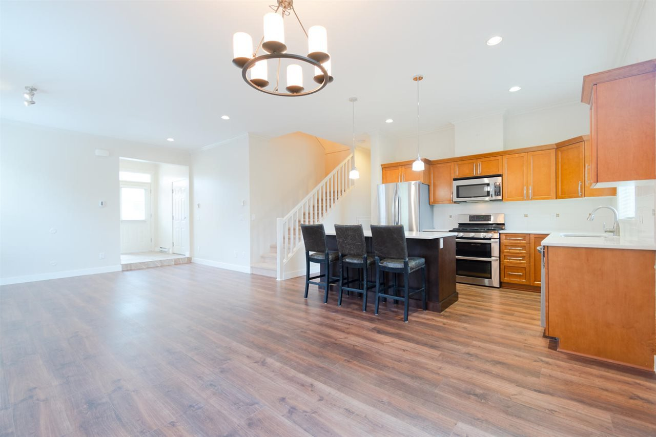 """Photo 3: Photos: 1 4887 CENTRAL Avenue in Delta: Hawthorne Townhouse for sale in """"CENTRAL PARK WEST"""" (Ladner)  : MLS®# R2320085"""