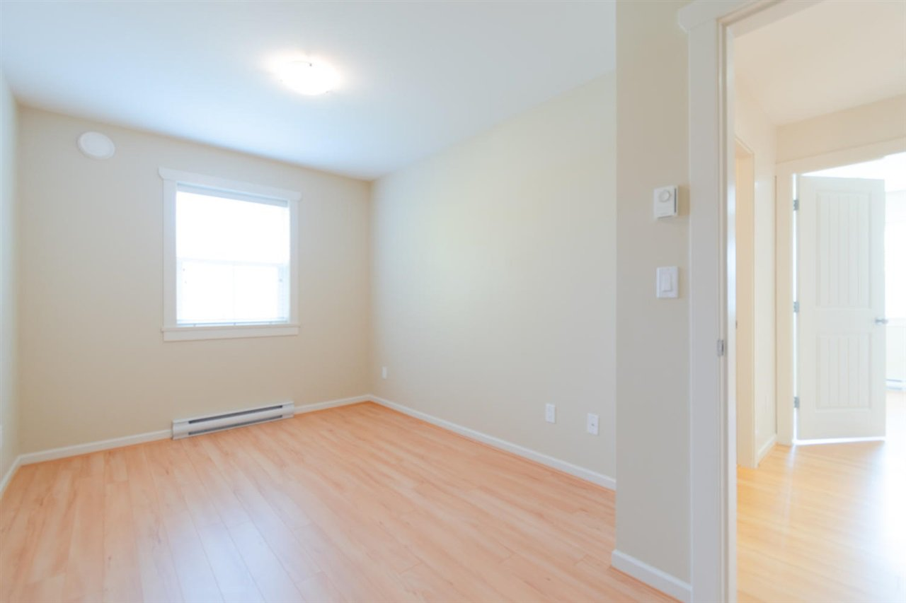 """Photo 15: Photos: 1 4887 CENTRAL Avenue in Delta: Hawthorne Townhouse for sale in """"CENTRAL PARK WEST"""" (Ladner)  : MLS®# R2320085"""