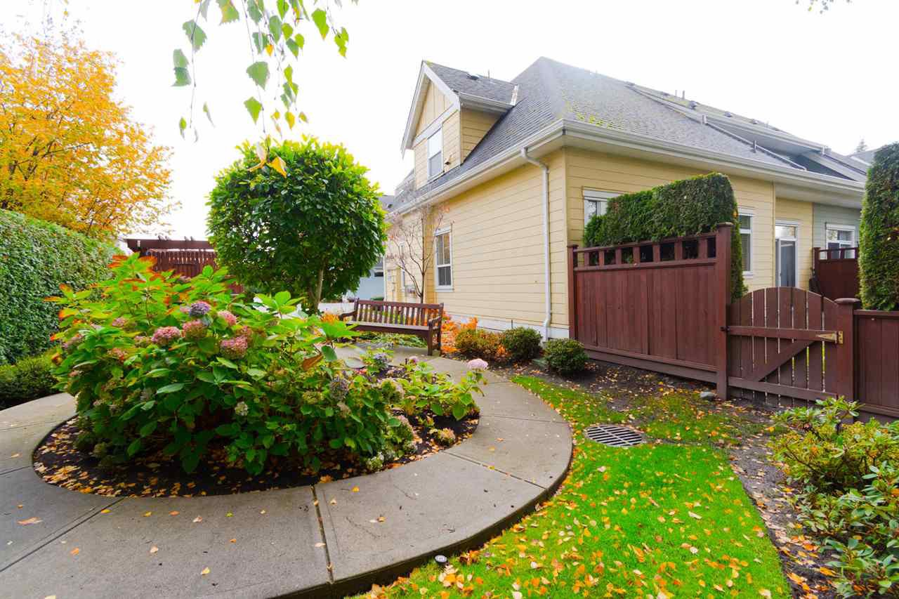 """Photo 18: Photos: 1 4887 CENTRAL Avenue in Delta: Hawthorne Townhouse for sale in """"CENTRAL PARK WEST"""" (Ladner)  : MLS®# R2320085"""